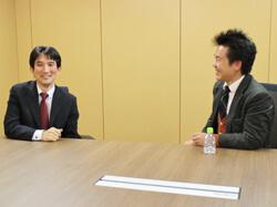 エー・ピーカンパニーの山本氏(右)とブックオフコーポレーションの冨山氏